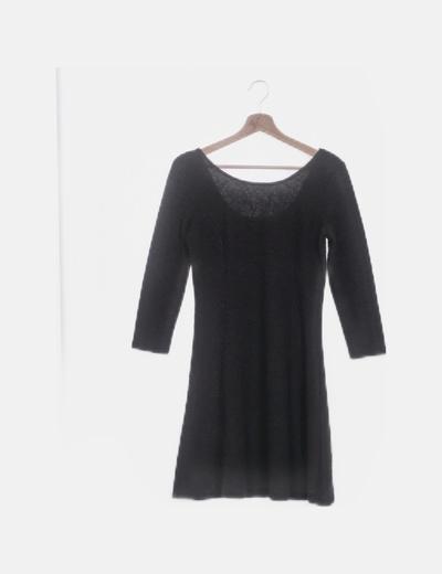 Vestido negro texturizao