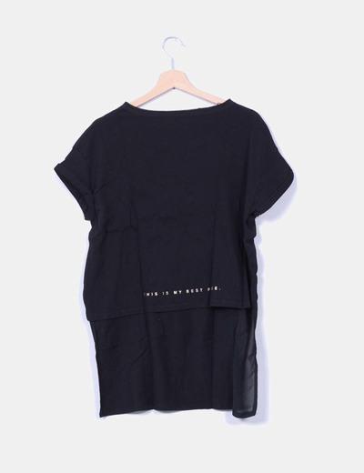 Camiseta negra asimetrica de manga corta