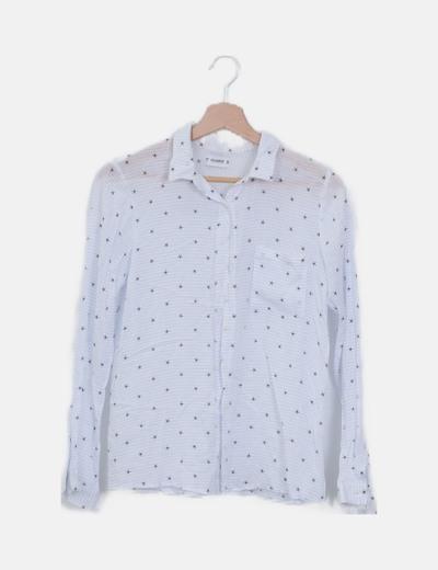 Camisa blanca de rayas estampado estrellas