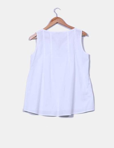 Camisa blanca escote caja sin mangas