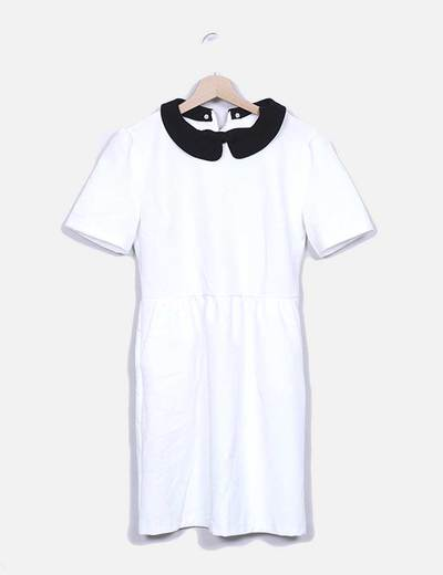 Vestido branco com golas pretas Suiteblanco