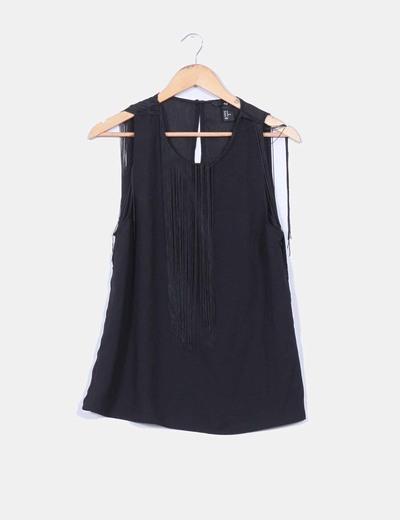 Blusa negra con flecos en laparte superior H&M