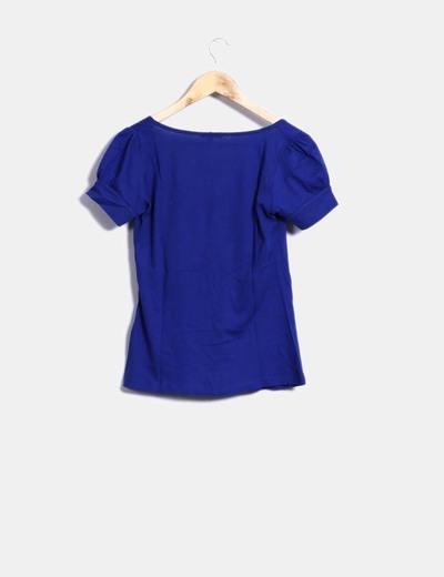 Camiseta azul klein detalle estrellas