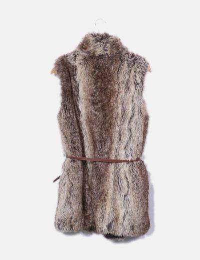 Zara Chaleco de pelo marrón con cinturón (descuento 75%) - Micolet 6ad54cea0f6a