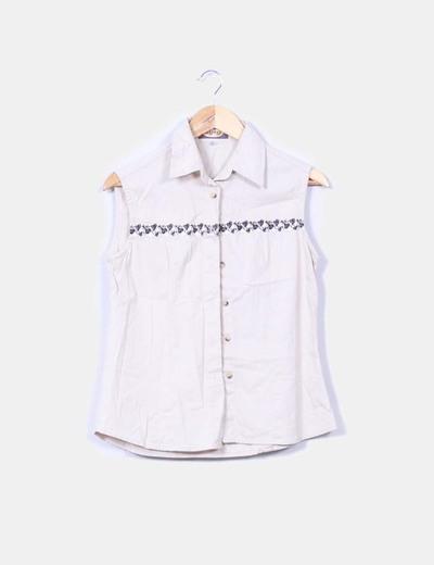 Camisa beige sin mangas Syny