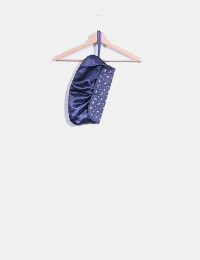 Bolso azul de raso con tachas Zara