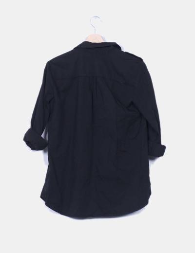 Sobrecamisa negra con abalorios bolsillo