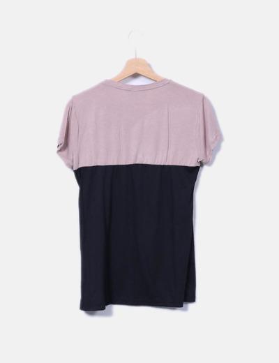 Camiseta bicolor detalle flores