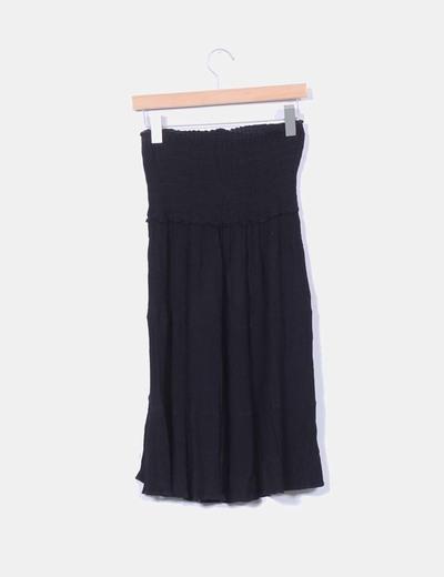 Vestido negro texturizado con goma