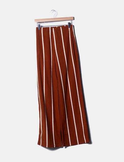 Pantalón fluido marrón rayas beige