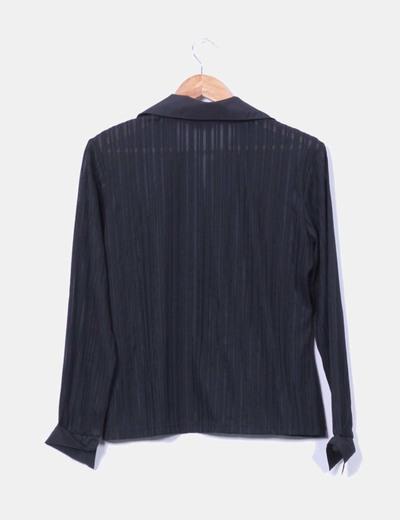 Camisa negra rayas