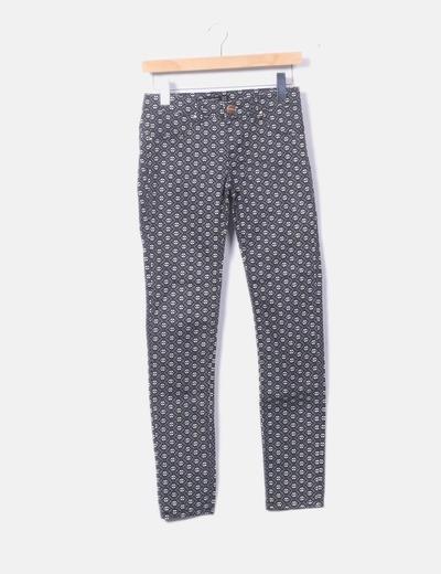 Pantalón negro pitillo print