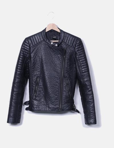 Veste noire en cuir synthétique motard Mango
