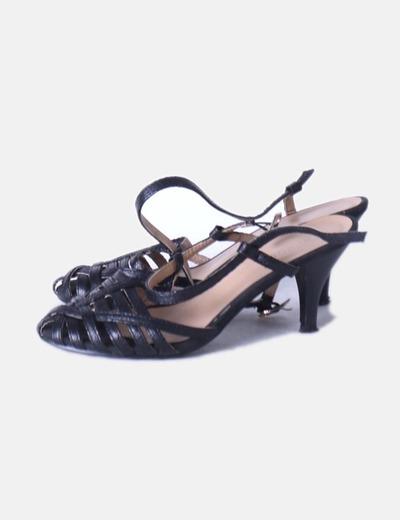 Sandalia negra destalonada Unicool