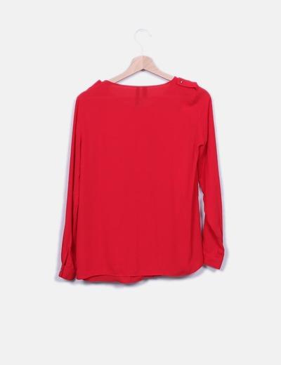 Blusa roja detalle bolsillos