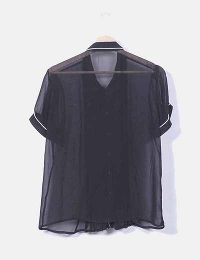 Blusa gasa negra semitransparente ribete blanco