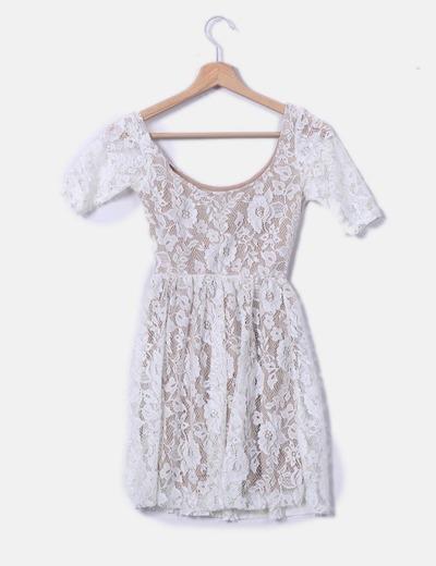 Vestido Beige Con Encaje Blanco