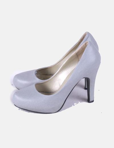 Zapatos pump gris