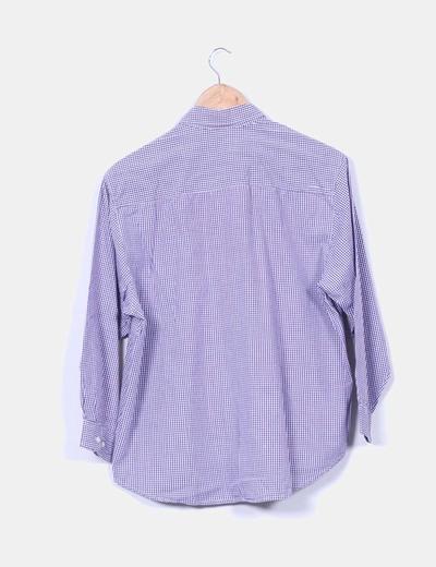 Camisa de cuadros morados y blancos