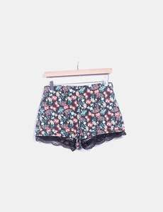 cfe0aeb29e Short denim floral con puntilla Lefties