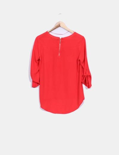 Blusa roja fluida