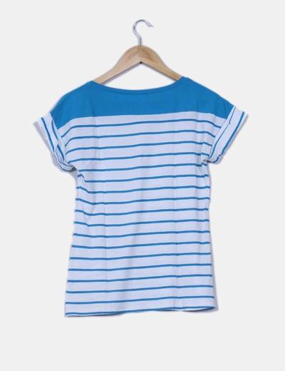 Camiseta a rayas detalle bolsillo