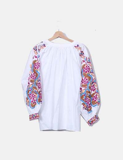 H M Blusa branca com mangas bordadas (desconto de 12%) - Micolet 0a83e33aab4