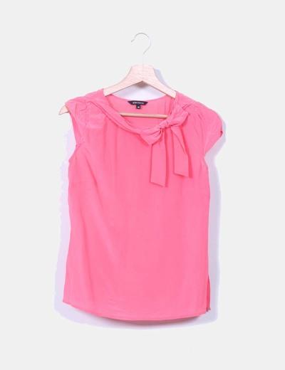 Blusa rosa detalle lazo Síntesis