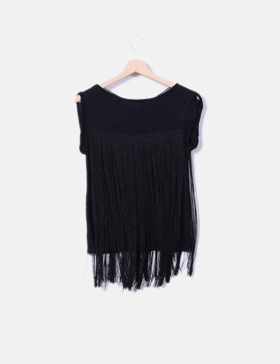 fecha de lanzamiento descuento en venta mejores telas Camiseta negra con flecos