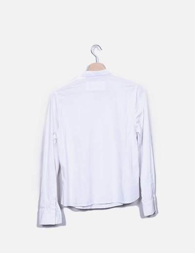 Camisa blanca detalle volantes