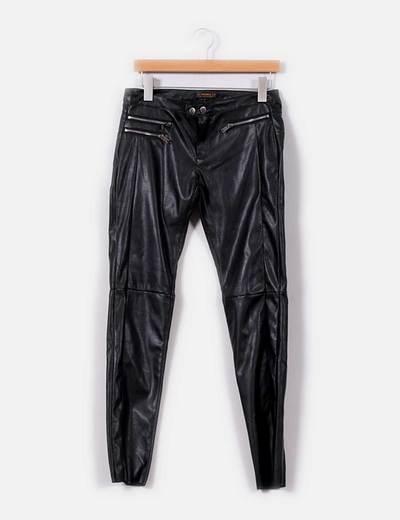 Pantalón de polipiel negro Pull&Bear