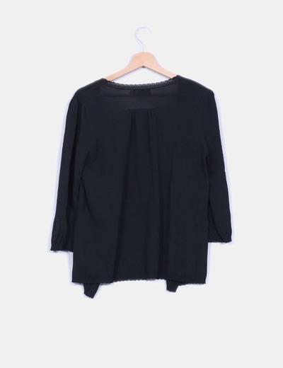 Chaqueta negra tricot mangas abullonadas