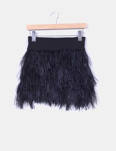 876e4bab2 Falda negra de plumas