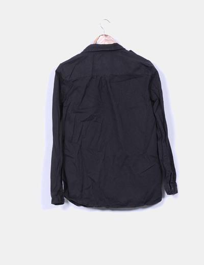 Camisa negra con strass