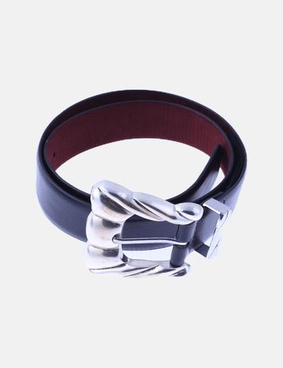 Cinturón negro hebilla