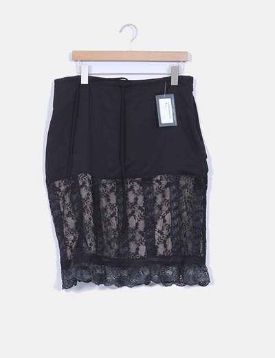 Falda negra dos texturas con encaje  detalle  cintura ajustable MARIA MARIÑO