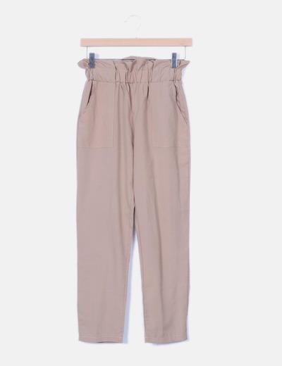 Pantalón beige detalle cintura