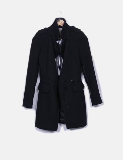 Abrigo negro combinado con polipiel Zara