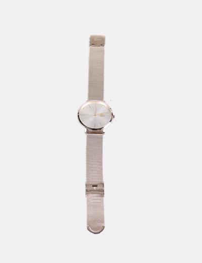 Horloge analogique doree