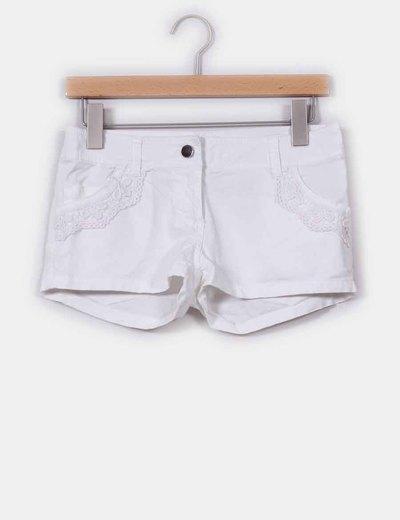 Shorts blancos con crochet Love & Money