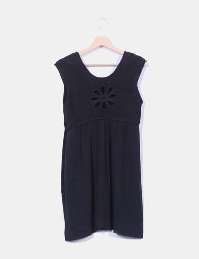 Vestido negro combinado sin mangas