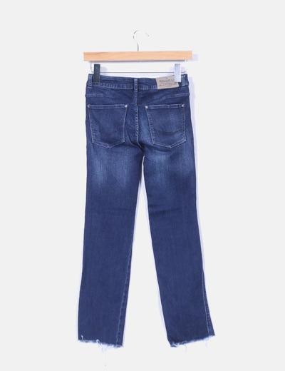 Jeans denim pitillo desflecado