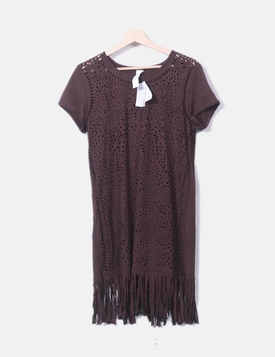 Vestido con flecos marrón oscuro