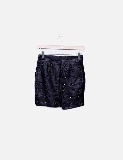 Mini falda combinada polipiel negra con tachas Ochirly