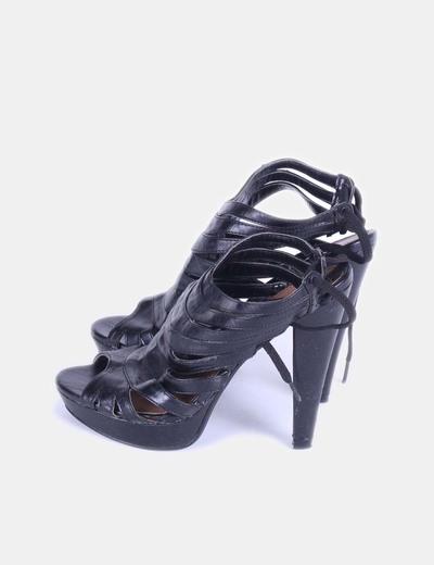 Sandalia negra con tiras  Sissei