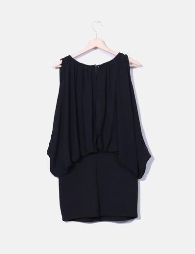 Vestido negro combinado con strass