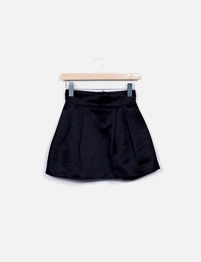 Mini falda evasé satén negro H&M
