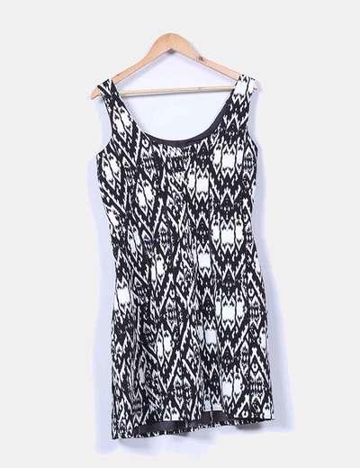 Vestido negro y blanco estampado