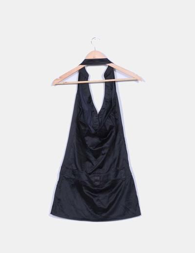 Vestido negro satinado cuello halter