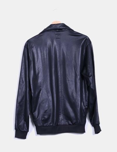 b63fbbebc0ca7 Adidas Chaqueta negra y dorada encerada (descuento 71%) - Micolet